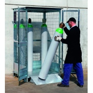 12-cylinder-safety-cage-in-use